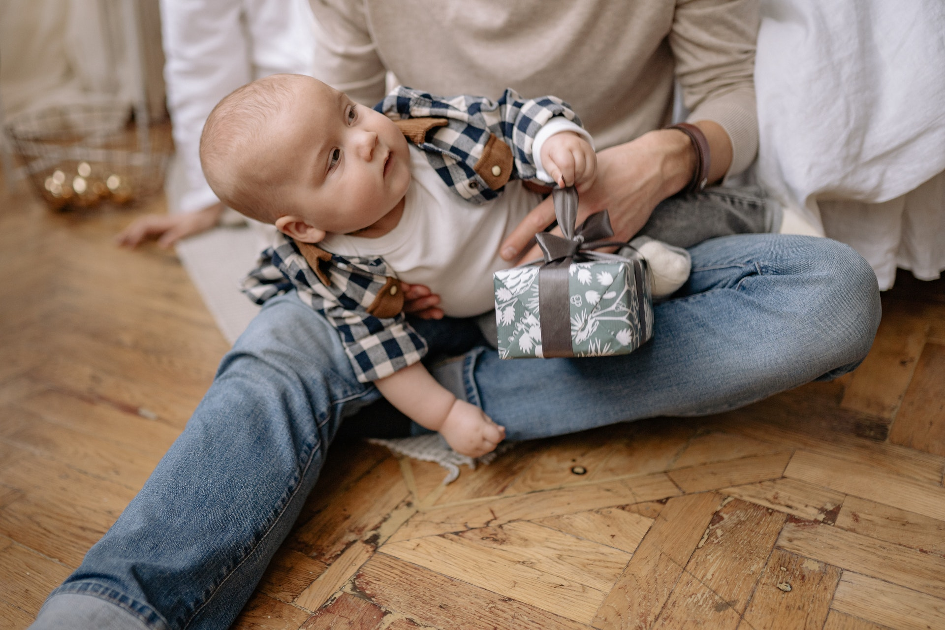 Ideal Gifts For Infants & How To Surprise The Parents